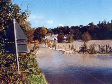 2001-Flood-a-1