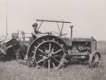 Case-Tractor-1