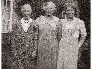 Lucy-Sibley-Elizabeth-Duncombe-Pam-Saunders-1
