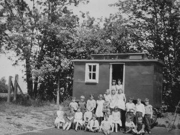 School-caravan-1